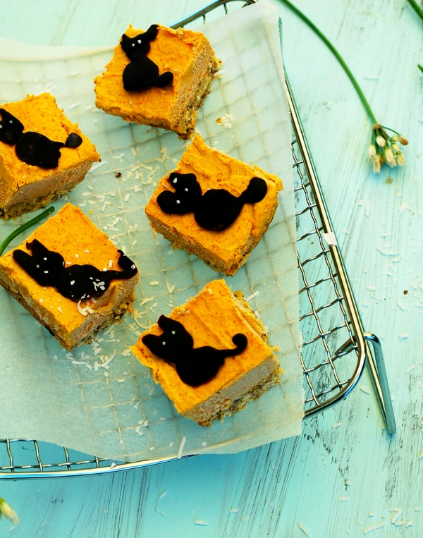 Pumpkin cheesecake bars 1