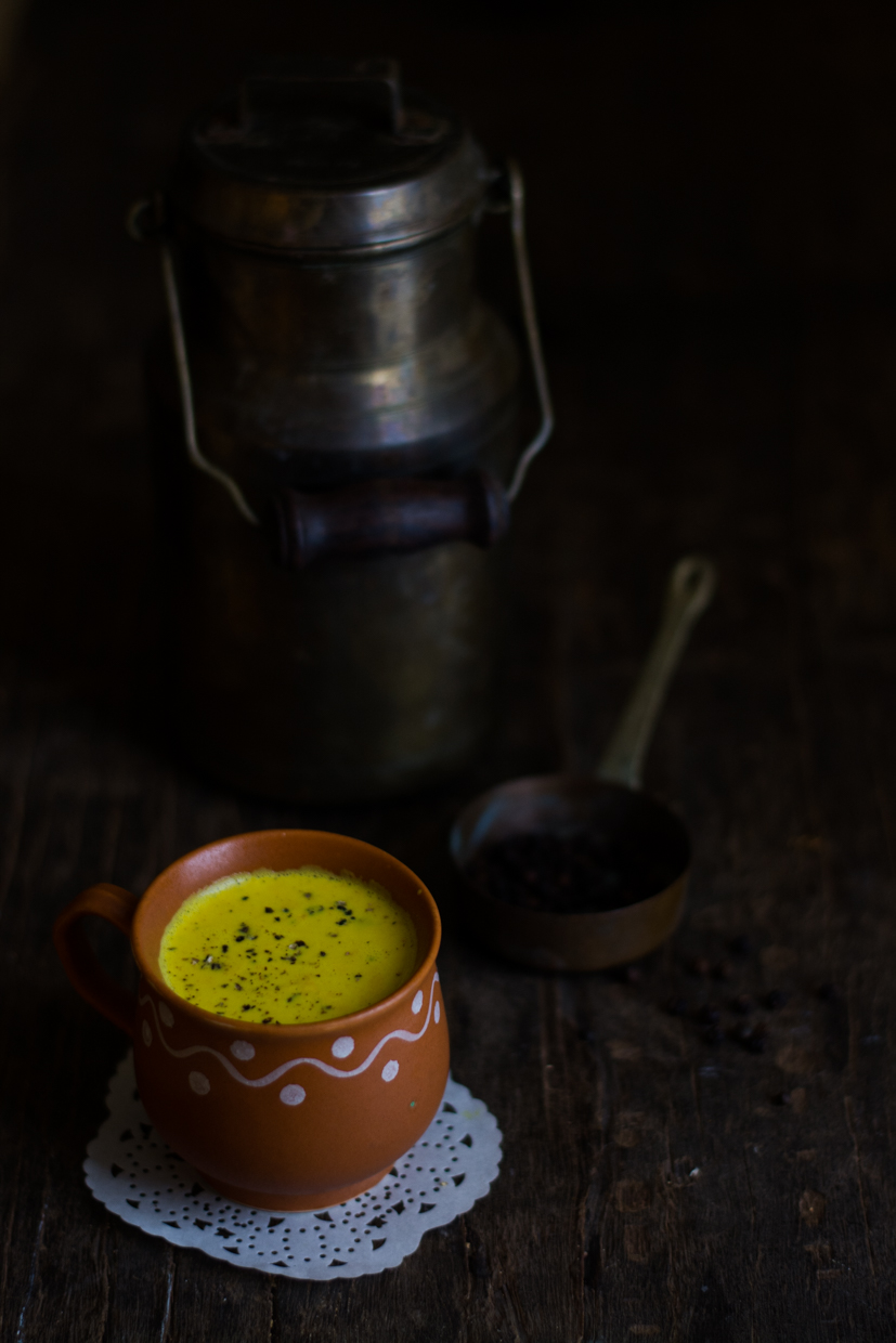 Turmeric Pepper Milk (1 of 3)